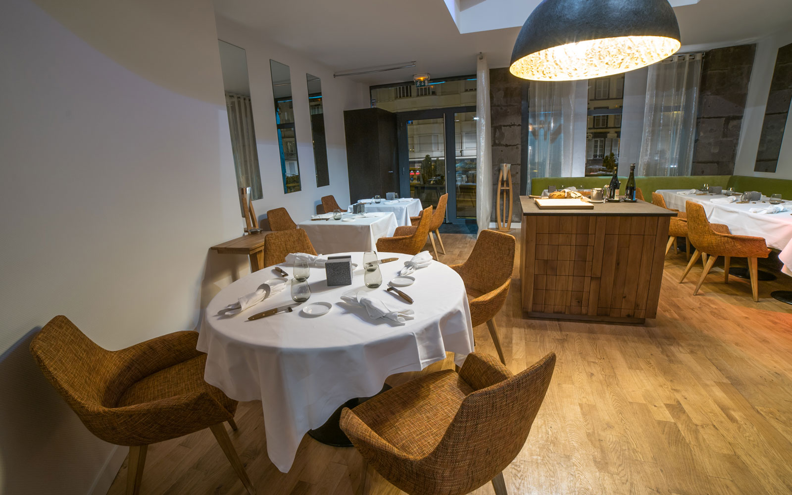 l 39 ostal restaurant gastronomique clermont ferrand. Black Bedroom Furniture Sets. Home Design Ideas